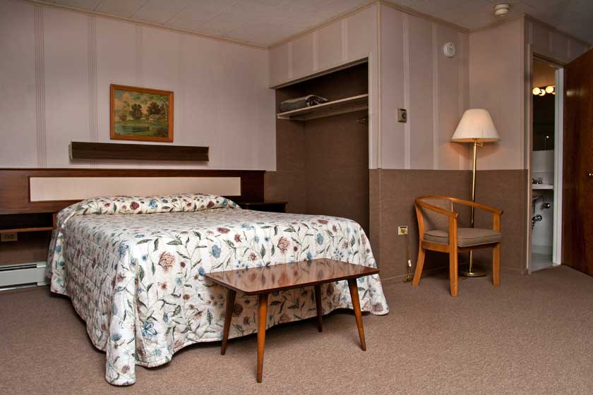 Mount Coolidge Motel Full Deluxe Room